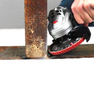 Disque lamelles pour angle a bord arrondi seramique socomo poncage polissage metaux acier inox clermont soudure